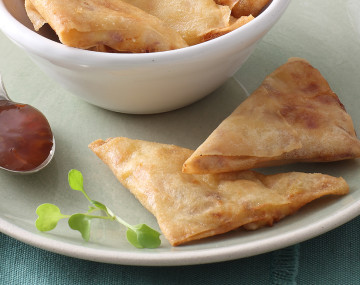 SASKO OAT & HONEY CRISPY CHEESE AND ONION SAMOSA'S