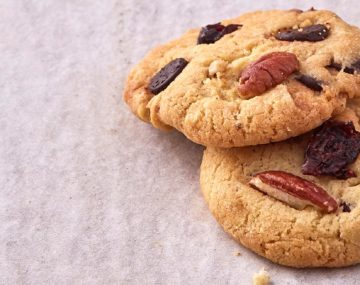 SASKO DARK CHOCOLATE, CRANBERRY AND PECAN COOKIES