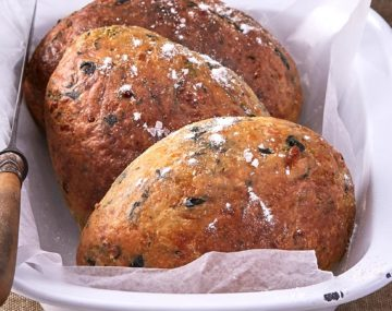 SASKO SPINACH FETA AND CUMIN CRUSTY BREAD